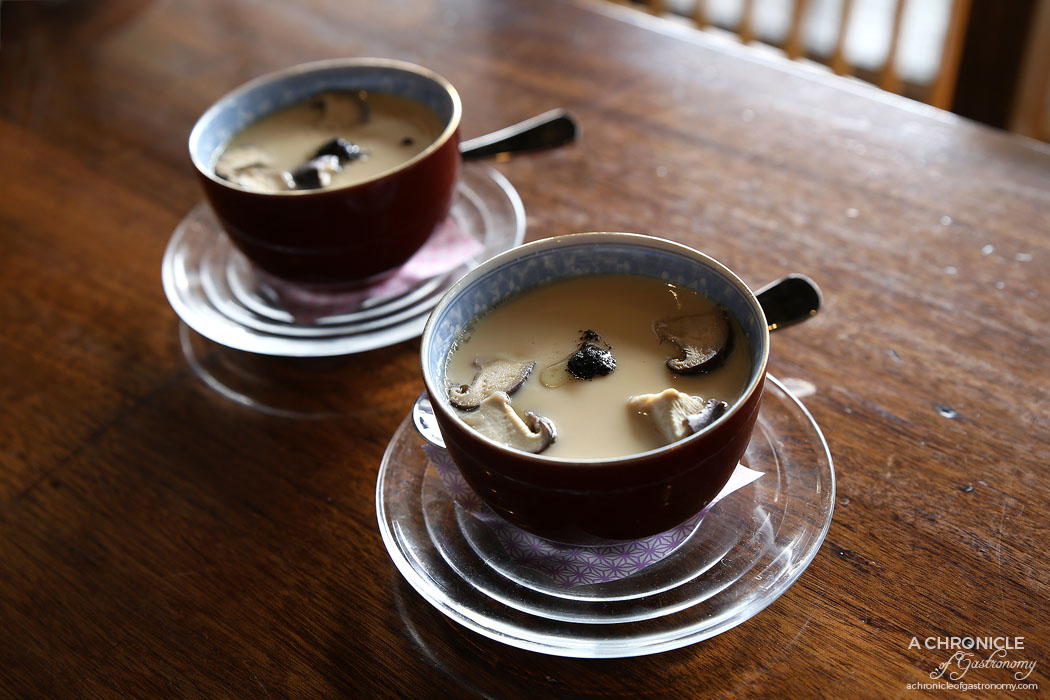 Nobori - Chawanmushi w mushroom, prawn and truffle
