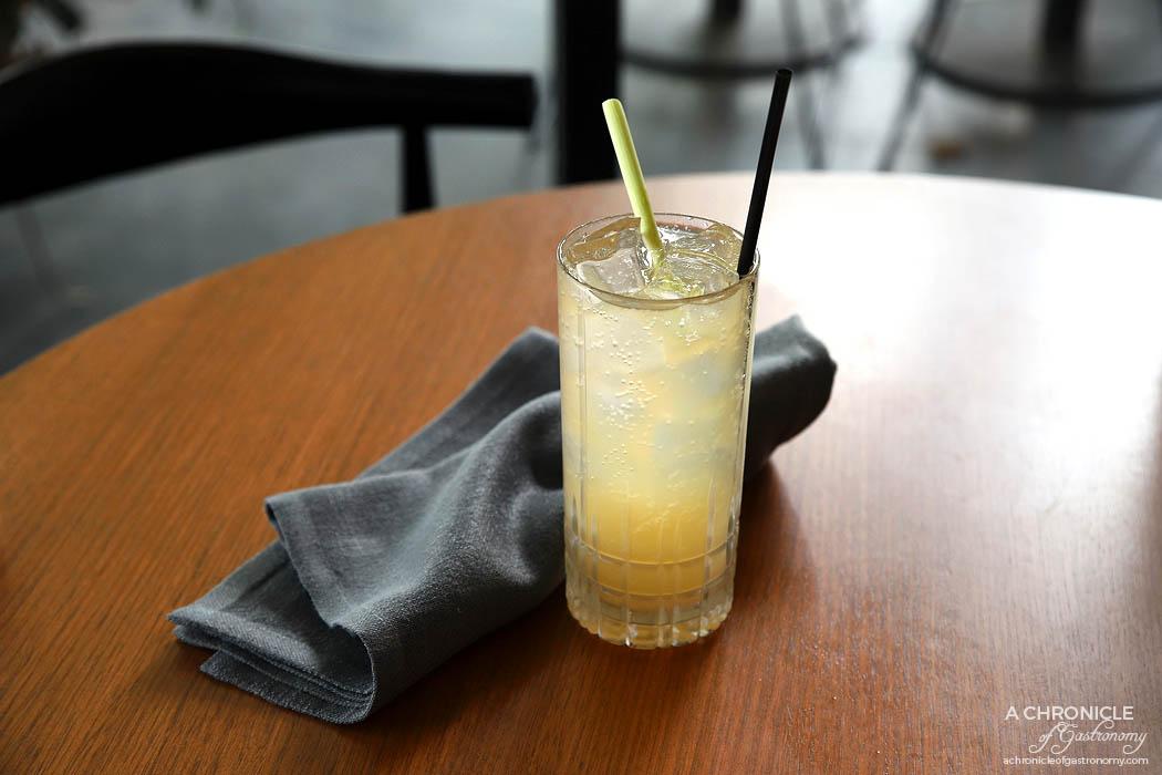 Jamu - Sparkling Yuzu Mocktail w lemongrass, yuzu, ginger ale ($8)
