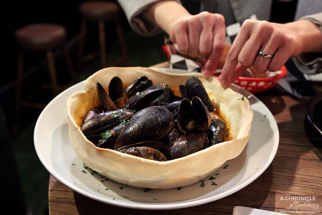 Cirelli and Co - Cozze in Guazzetto - Mussels in Napoli sauce serve in homemade bread bowl ($23)