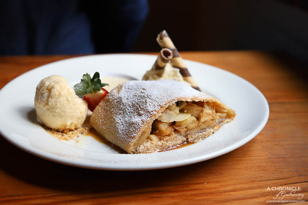 Hofbrauhaus - Apfelstrudel - Warm haus-made apple strudel with vanilla sauce and ice cream ($15,50)