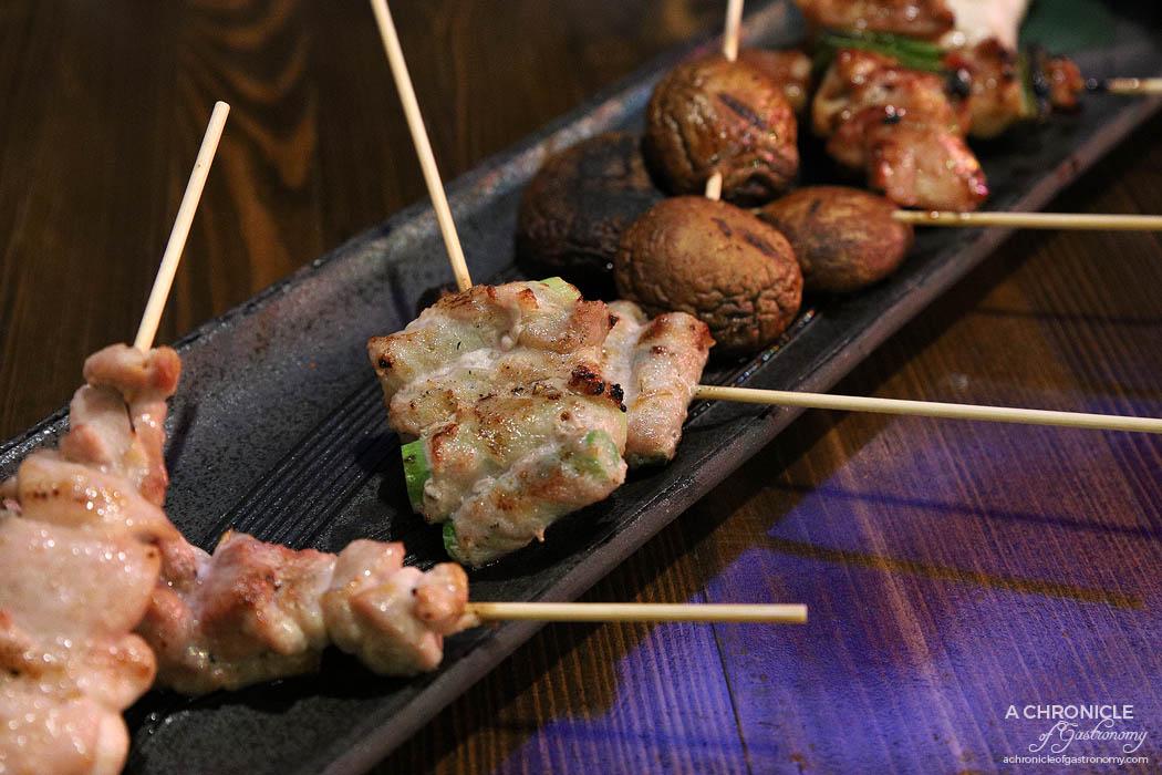 Izakaya Kuuraku - Aspara Maki - Asparagus wrapped in pork belly slice skewers ($8,60 for 2)