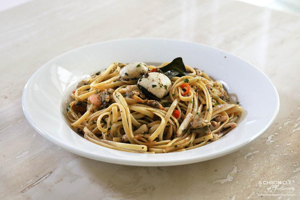St Domenico - Linguine di Mare - Seafood Linguine w Clams, Mussels, Fish, Scallops, Prawns, fish stock, oil, chilli and a touch of tomato sauce ($28)