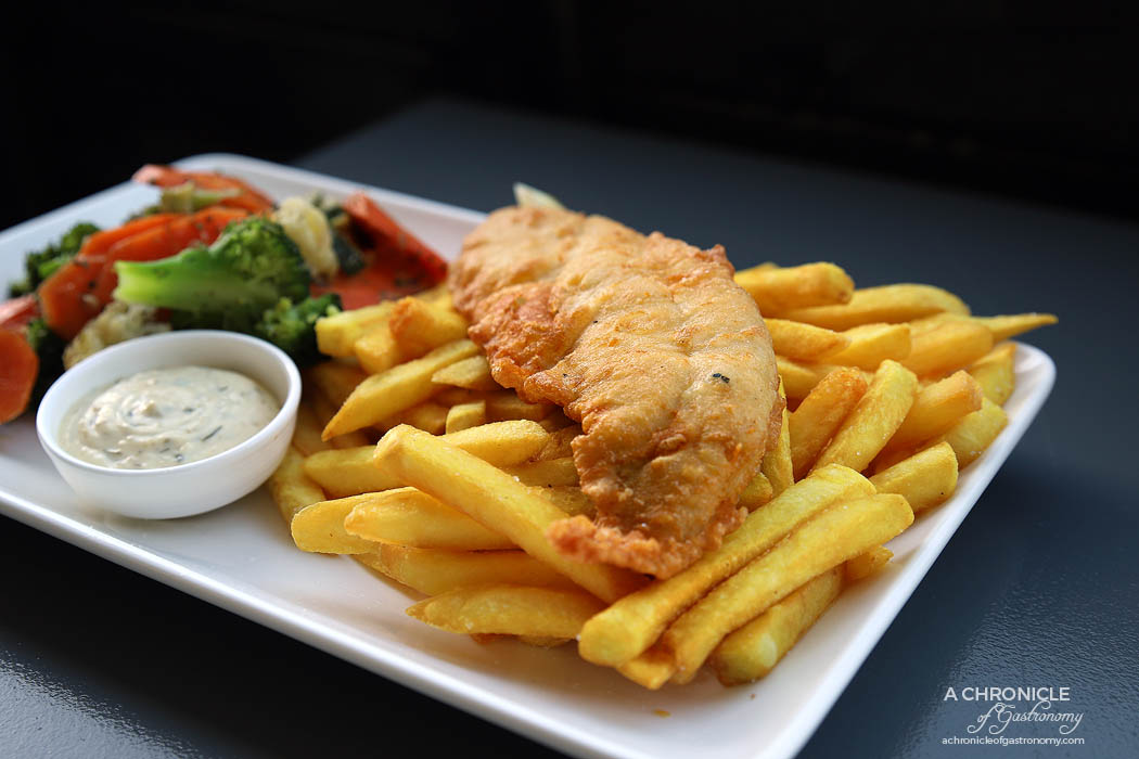 Hey Little Fishy - Flake w chips and vegetables ($15,50)