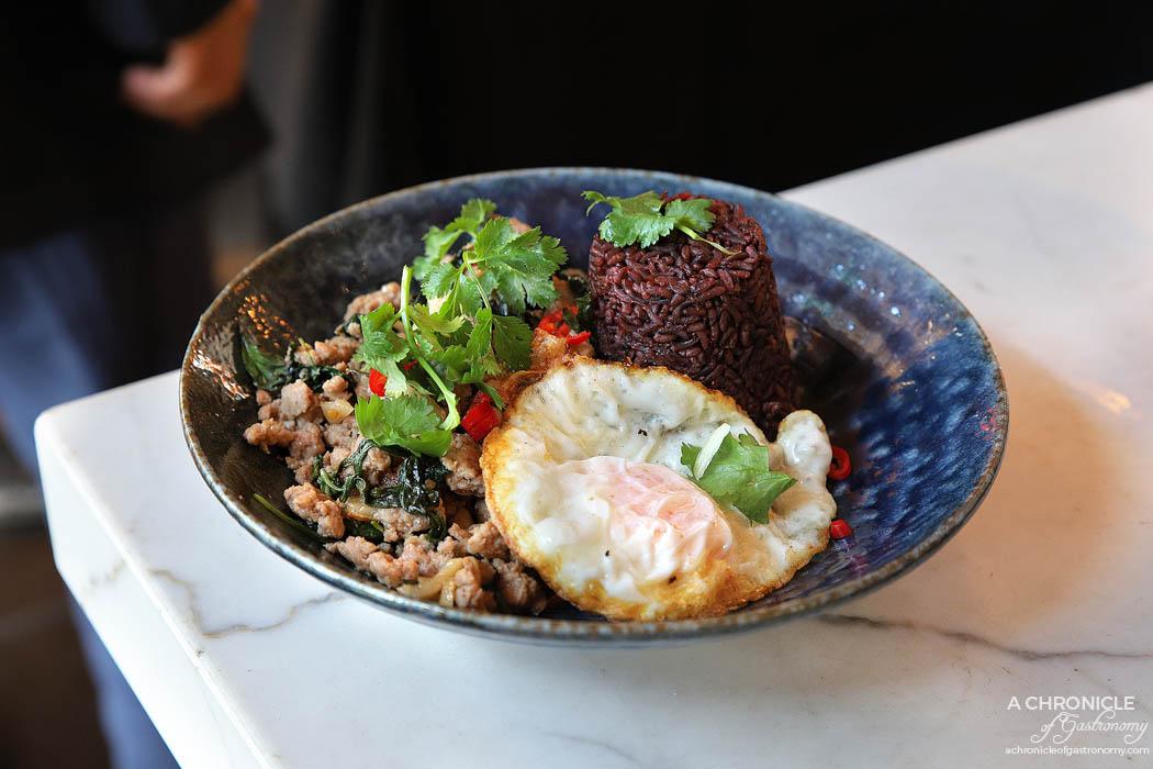 Bang Pop pad grapow moo w riceberry rice